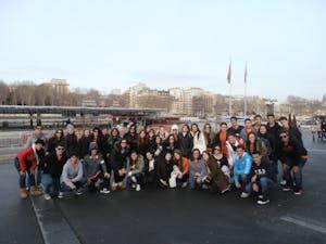 Grupo em Paris