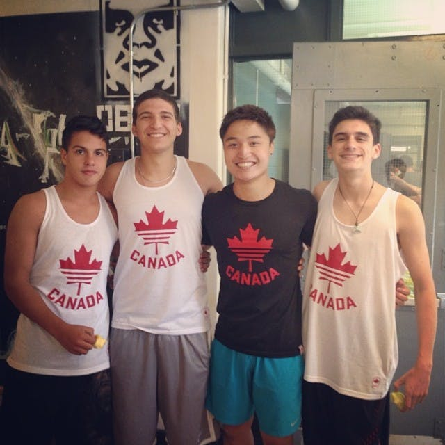 Olha o time de rugby do canada rsrs !!
