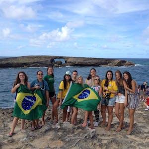 Group wth the Brasilian flag