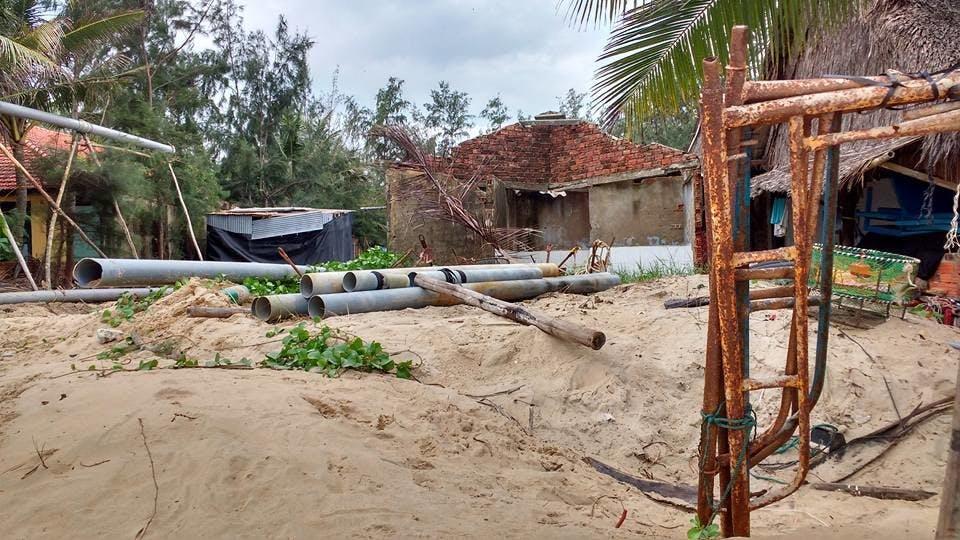 Desolação e abandono marcam o que até pouco era uma das principais praias do Vietnã