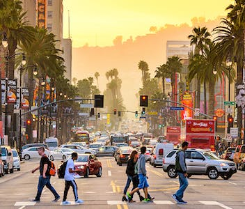 los-angeles.png?auto=compress%2Cformat&ixlib=php-1.1.0&w=352&h=300&fit=crop&auto=compress,format