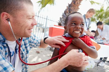 Por que o intercâmbio de voluntariado pode ser um plus na sua vida profissional?