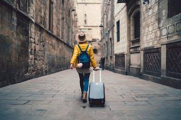 Conheça uma mochileira com quilômetros de bagagem e muitas dicas
