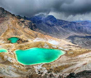 3_shutterstock_193376417_Emerald-lakes-on-Tongariro-Crossing-track-Tongariro-National-Park.jpg?auto=compress%2Cformat&ixlib=php-1.1.0&w=352&h=300&fit=crop&auto=compress,format