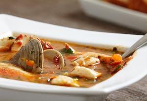 Cioppino, um prato típico americano inspirado na cozinha italiana.