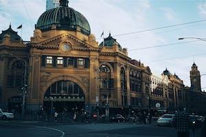 Estação ferroviária de Melbourne, Austrália, parte da cultura australiana.