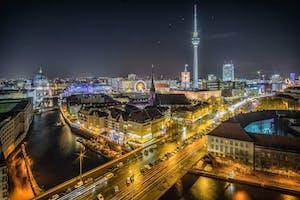 Parte da cultura da Alemanha: a vida noturna da cidade de Berlim.