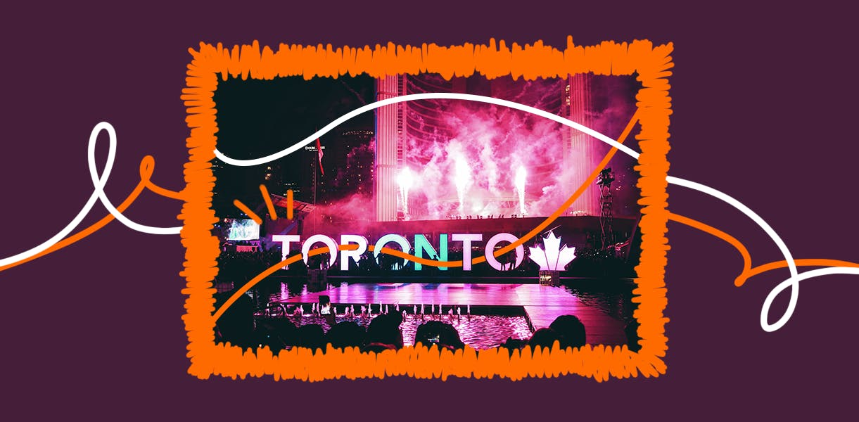 Letreiro da cidade de Toronto iluminado à noite.