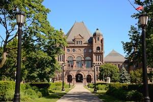 Queen's Park e o Ontario's Legislative Building
