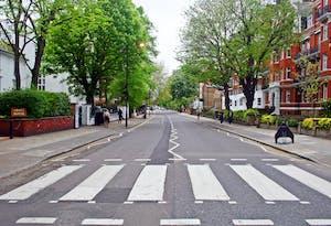 Abbey Road, um dos lugares para conhecer no Roteiro Londres